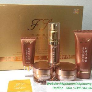 Bo-my-pham-tri-nam-tan-nhang-the-face-shop-vang-5in1-646x555