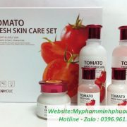 bo-duong-cham-soc-da-chiet-xuat-ca-chua-Foodaholic-Tomato-Fresh Skin-Care-Set